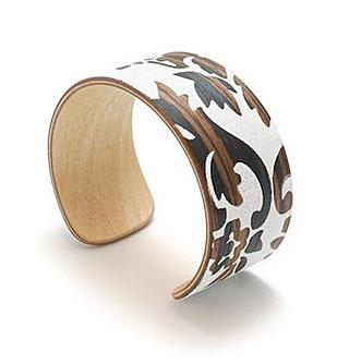 Tivi - White Coneflower Wood and Silkscreen Bracelet